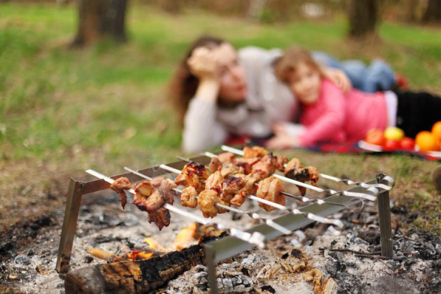 Какой нож взять с собой на пикник на «майские»