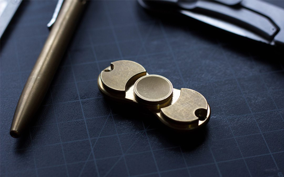 Что такое спиннер? Знакомство с фиджет спиннерами и другими EDC-игрушками.
