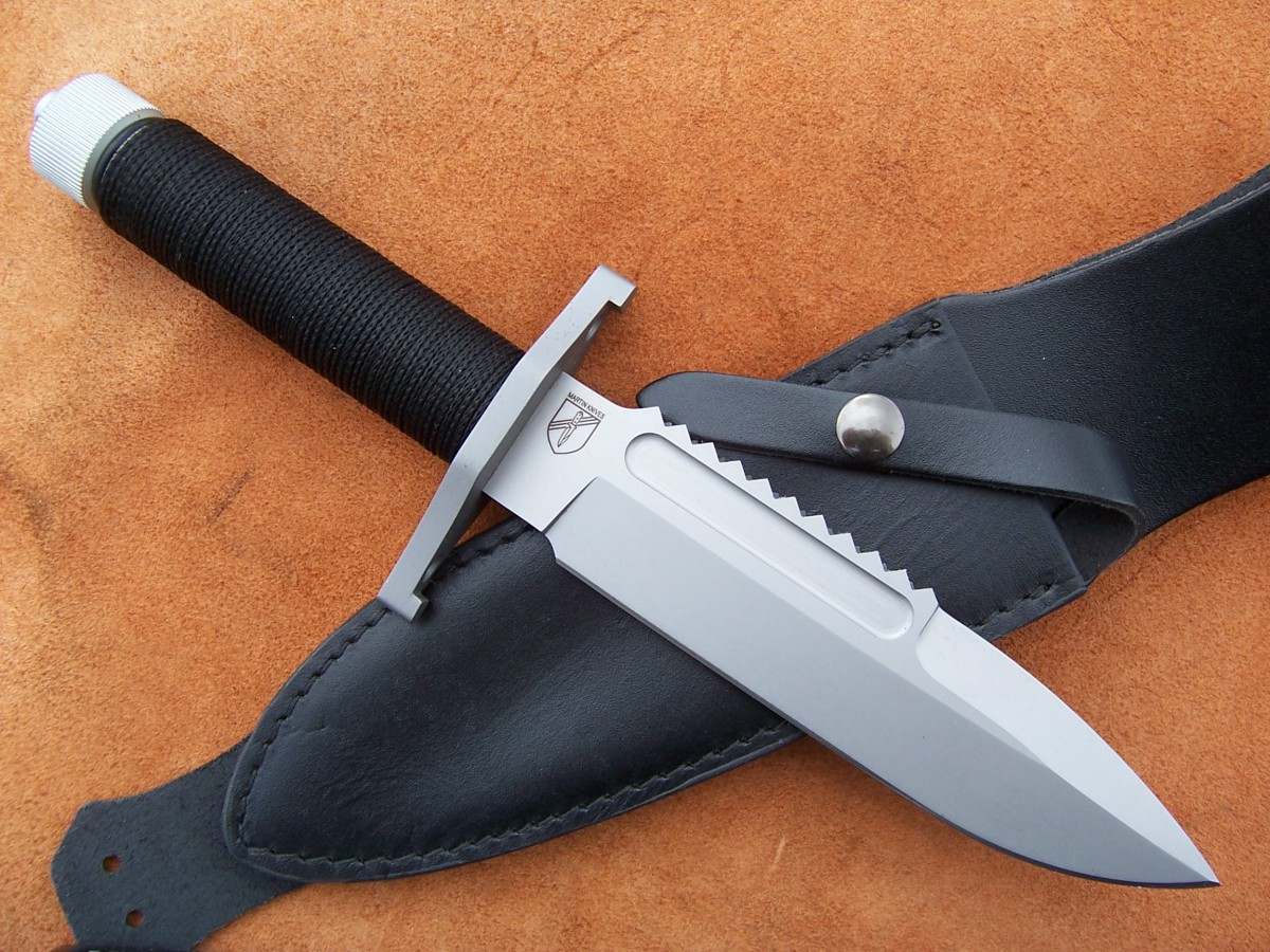 Нож для выживания Böker Apparo