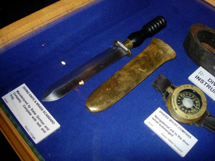 Спасение дайвера – нож аквалангиста