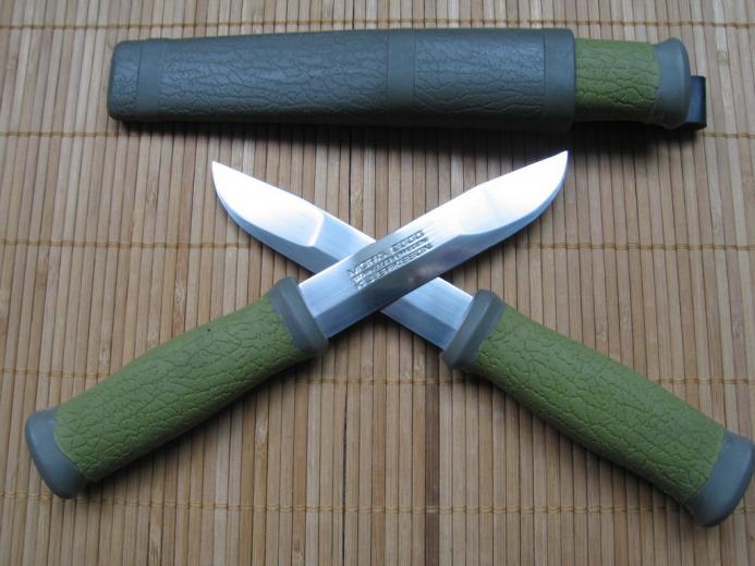 Mora SCOUT – самый простой и недорогой шведский нож с полноценной гардой