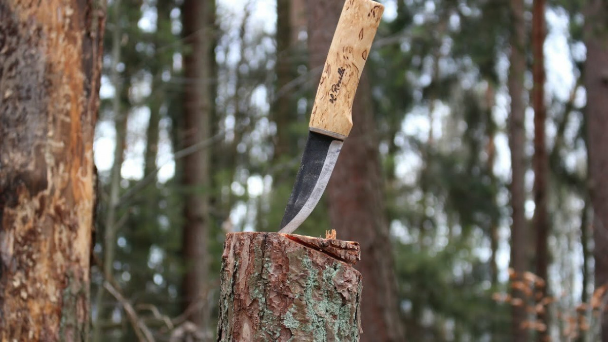 Roselli Hunter R100 – нож северного охотника