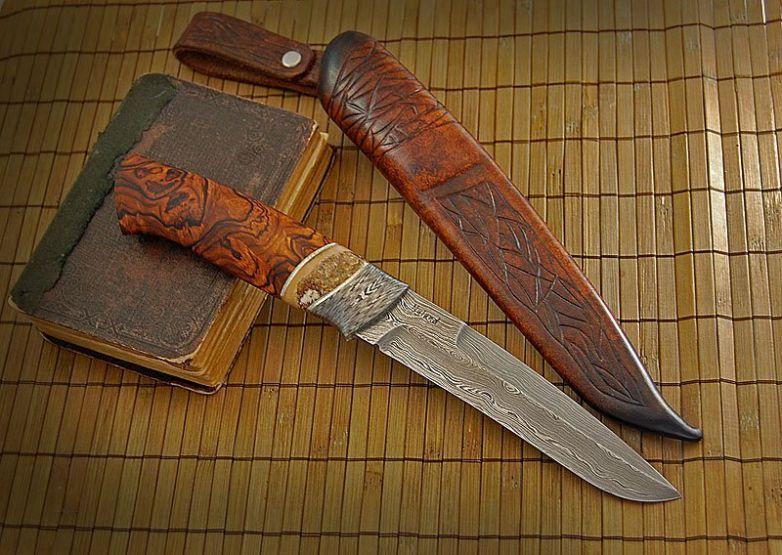 Нож сделанный на заказ из дамасской стали