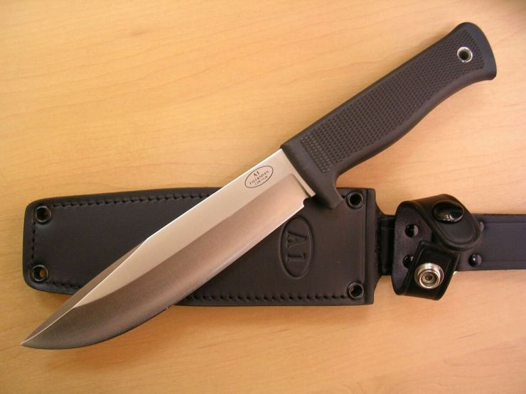 тактический нож