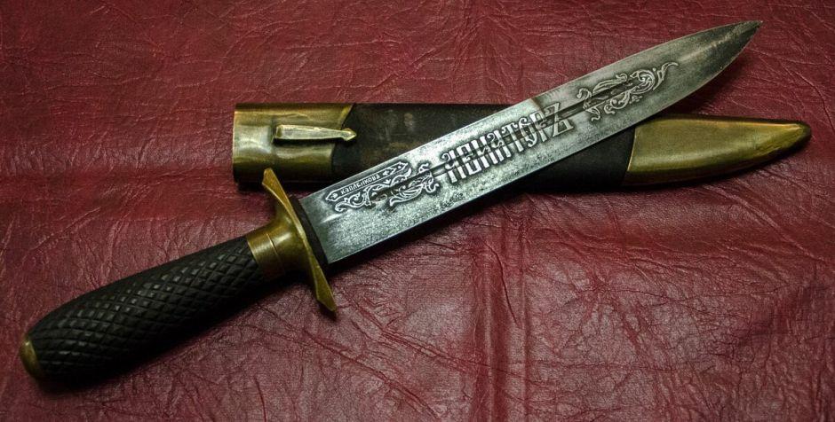 Откуда появилось столько разных по форме подарочных ножей?