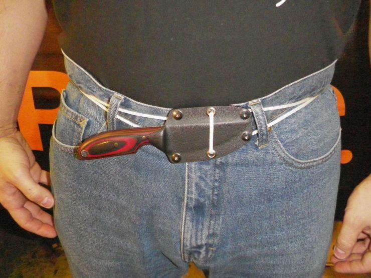 Как правильно носить ножи с фиксированным клинком?