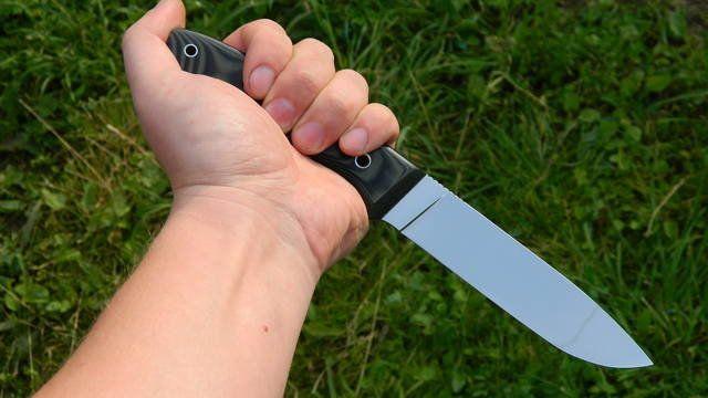 Обратный хват ножа и его особенности