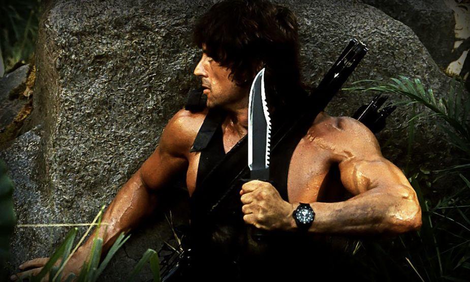 Пригодится ли нож Рембо в лесу?