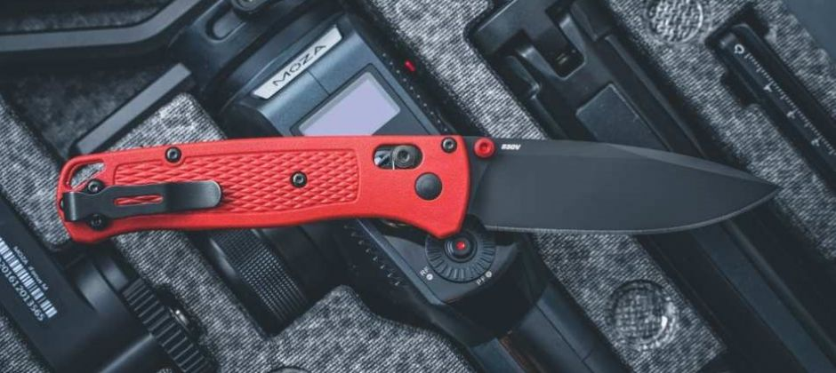 BUGOUT LIMITED RED – BENCHMADE